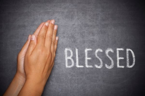 You are currently viewing Seven Prayers of Blessing for Your Week